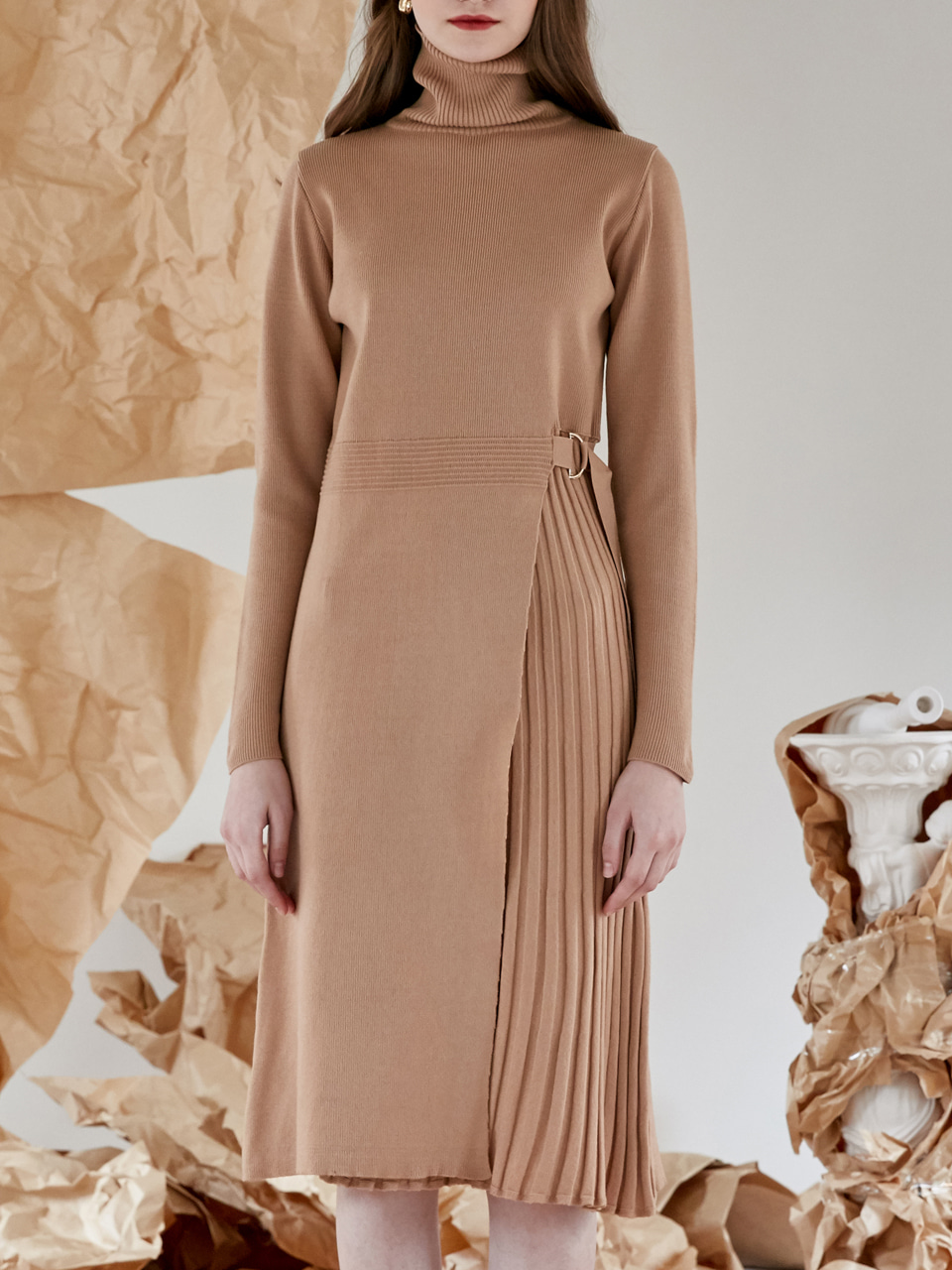 comos'106 belt pleated knit ops (beige)