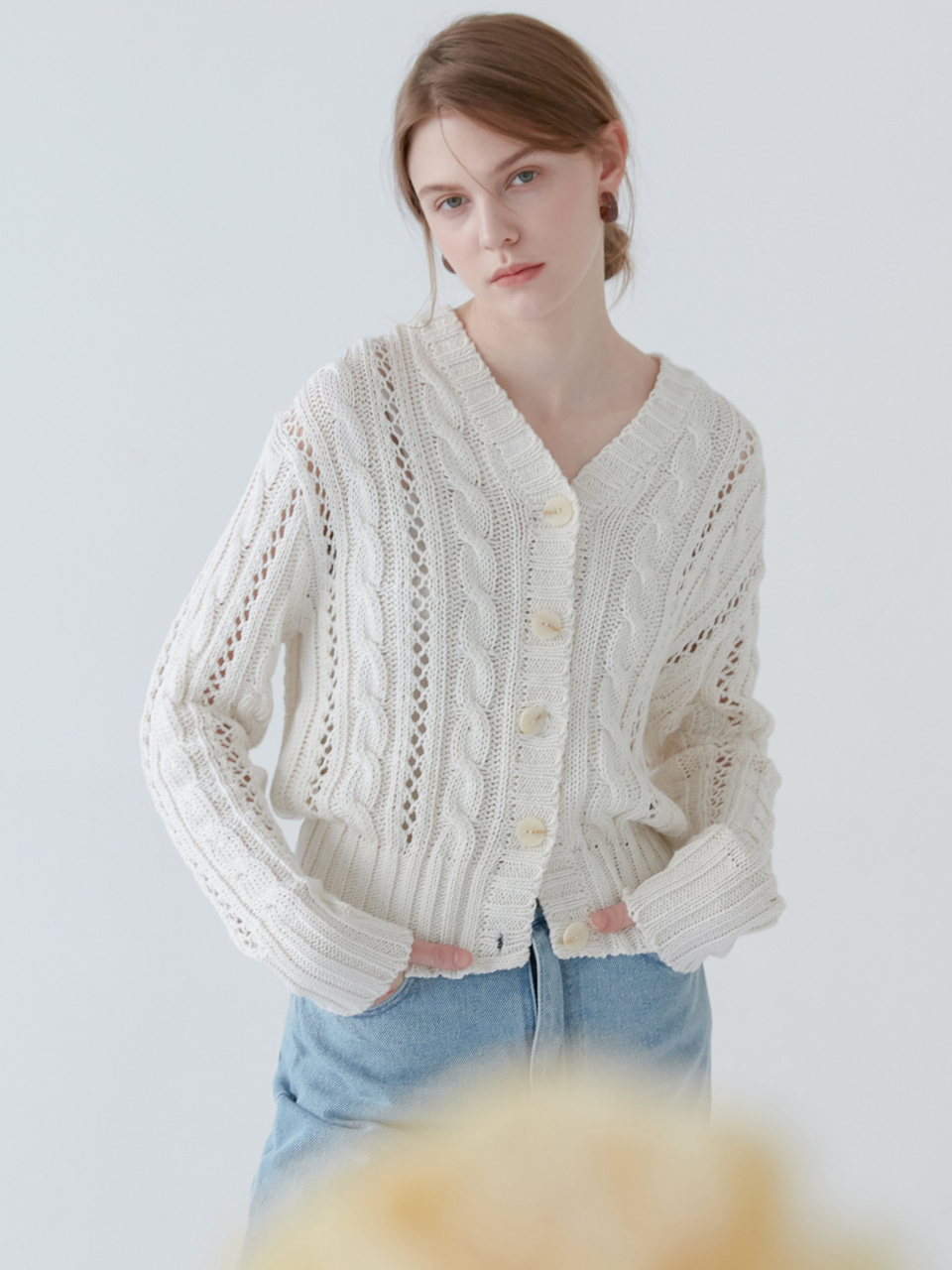 comos'132 cable knit cardigan (ivory)