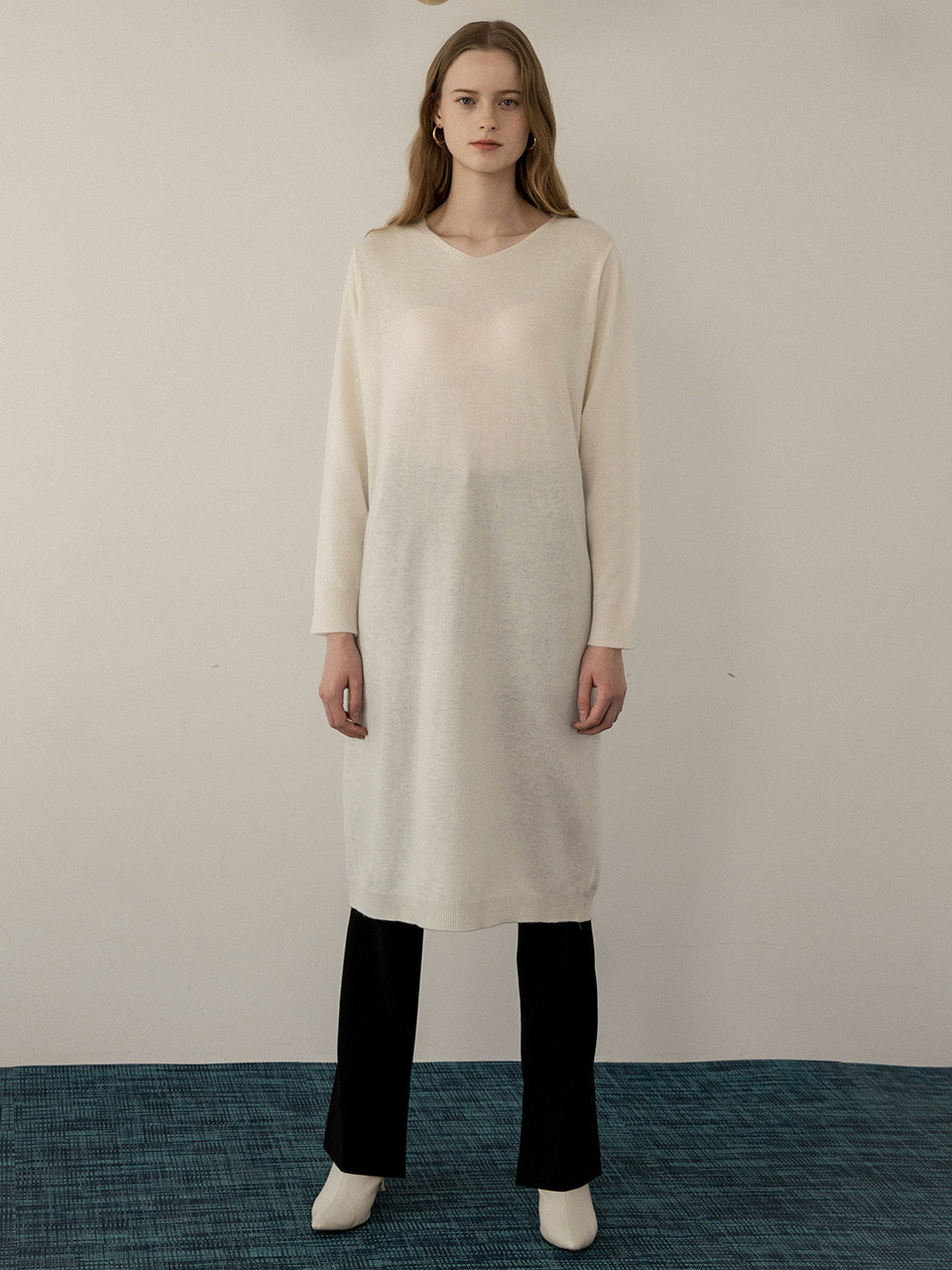 comos'229 v-neck belt set knit dress (ivory)