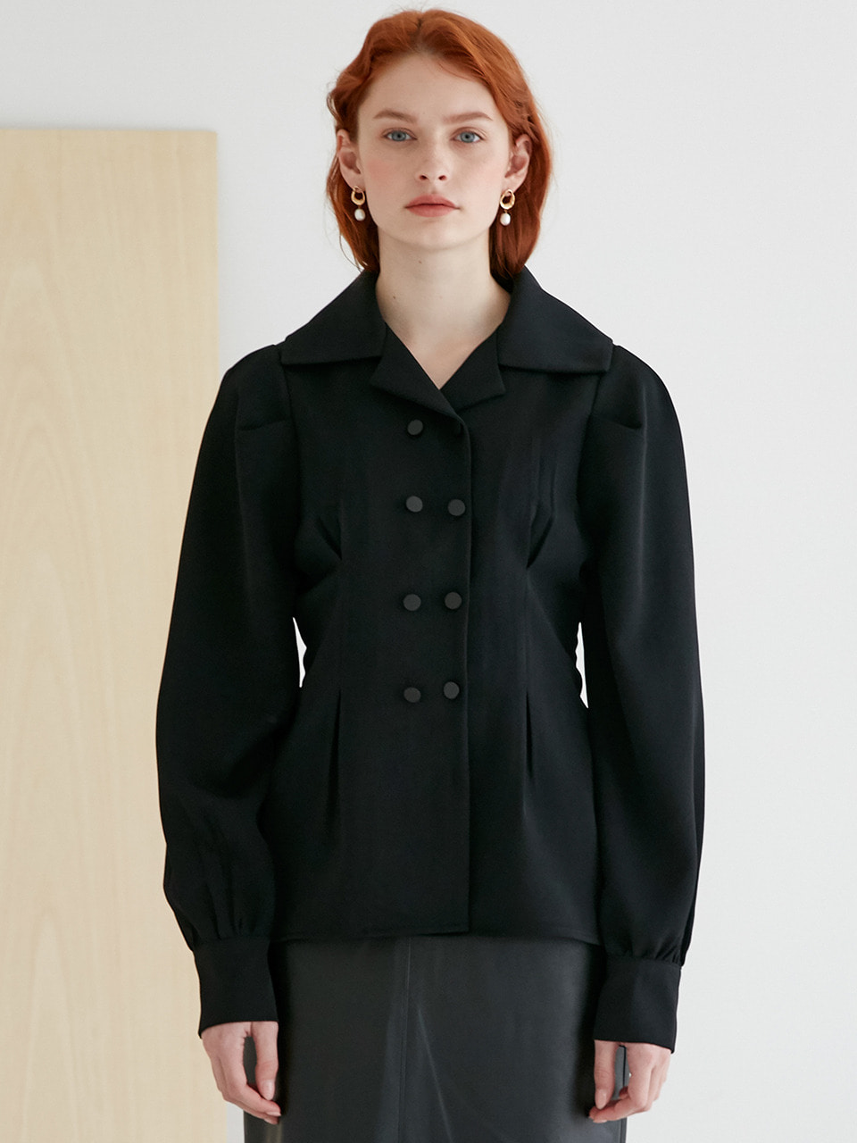 comos'267  collar point puff shirt (black)