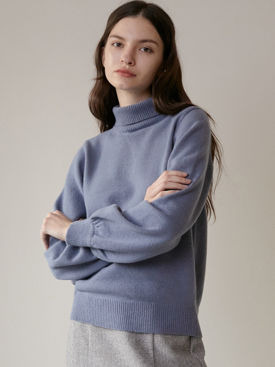 comos'286 cashmere puff turtleneck knit (sora)