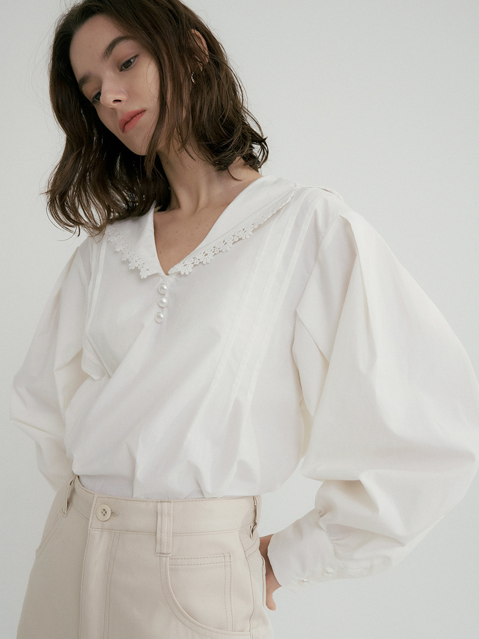 comos'323 lace tailored collar blouse (white)