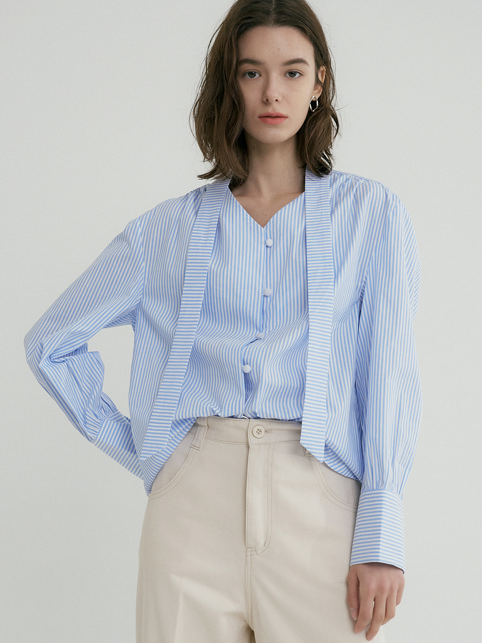comos'324 stripe ribbon v neck blouse (l/blue)