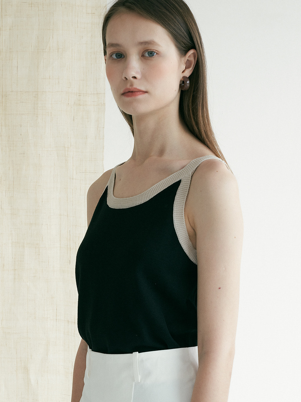 comos'381 color scheme point sleeveless (black)