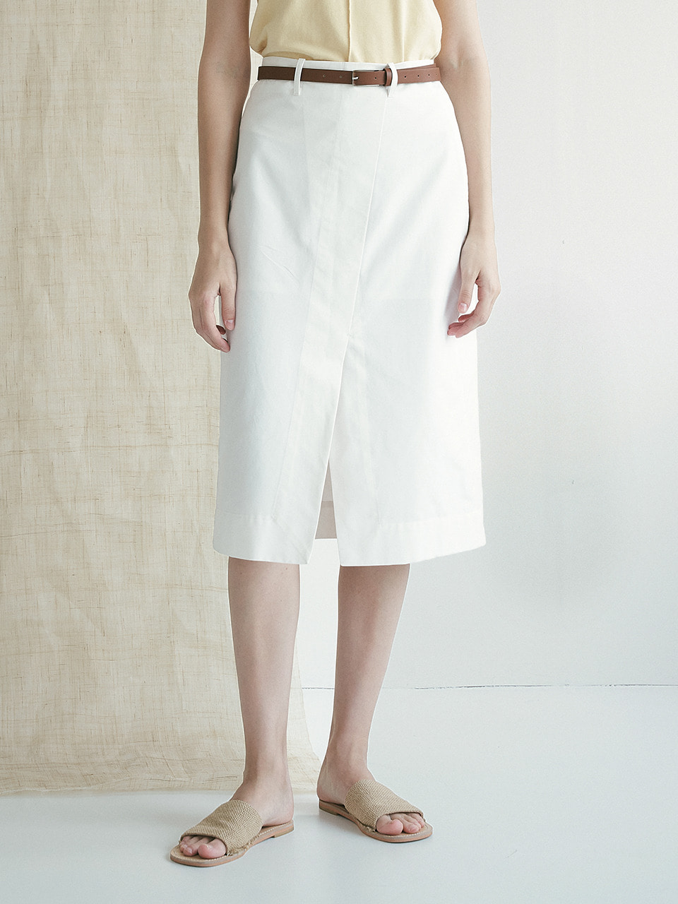 comos'371 slit stitch skirt (ivory)