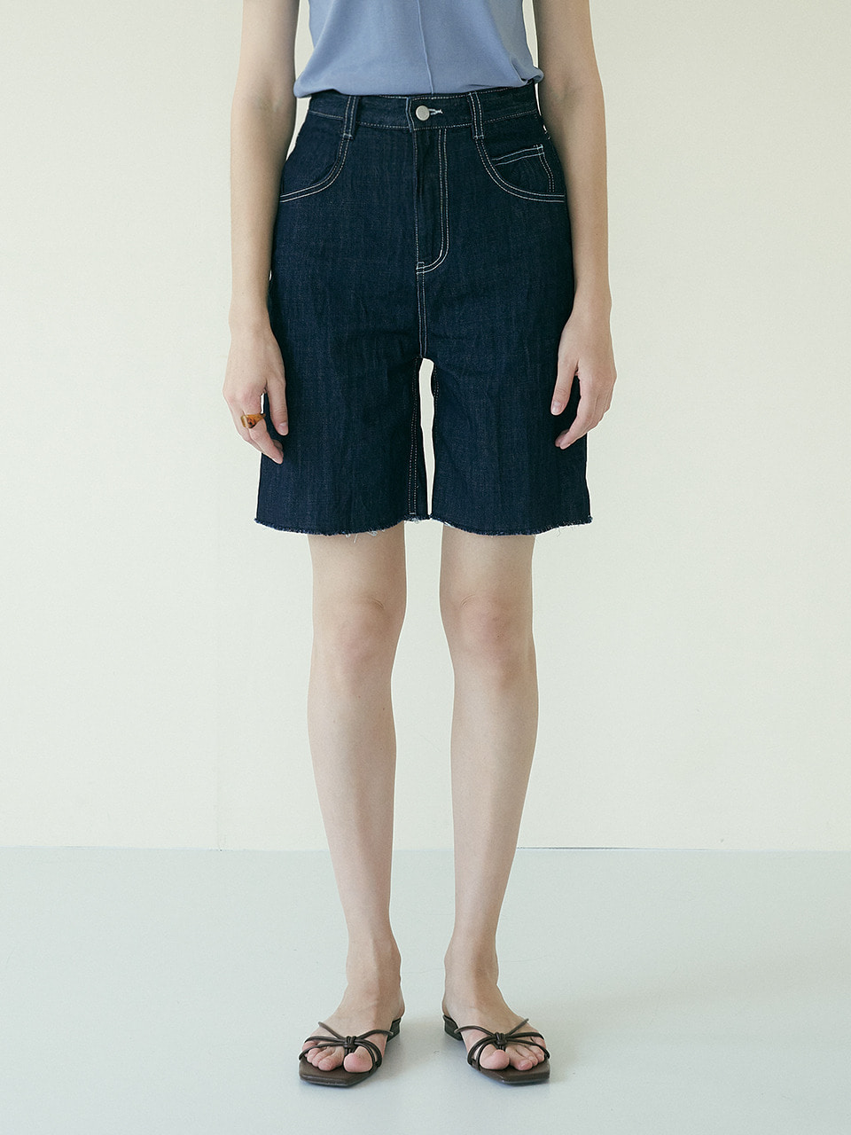 comos'373 crinkle denim shorts (indigo)