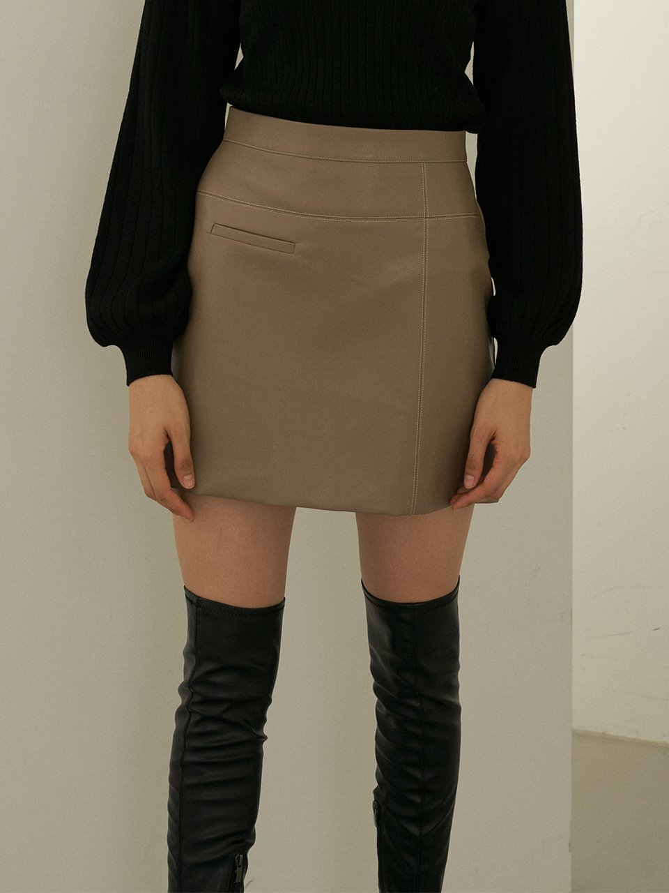 comos'400 leather cross skirt (dark beige)