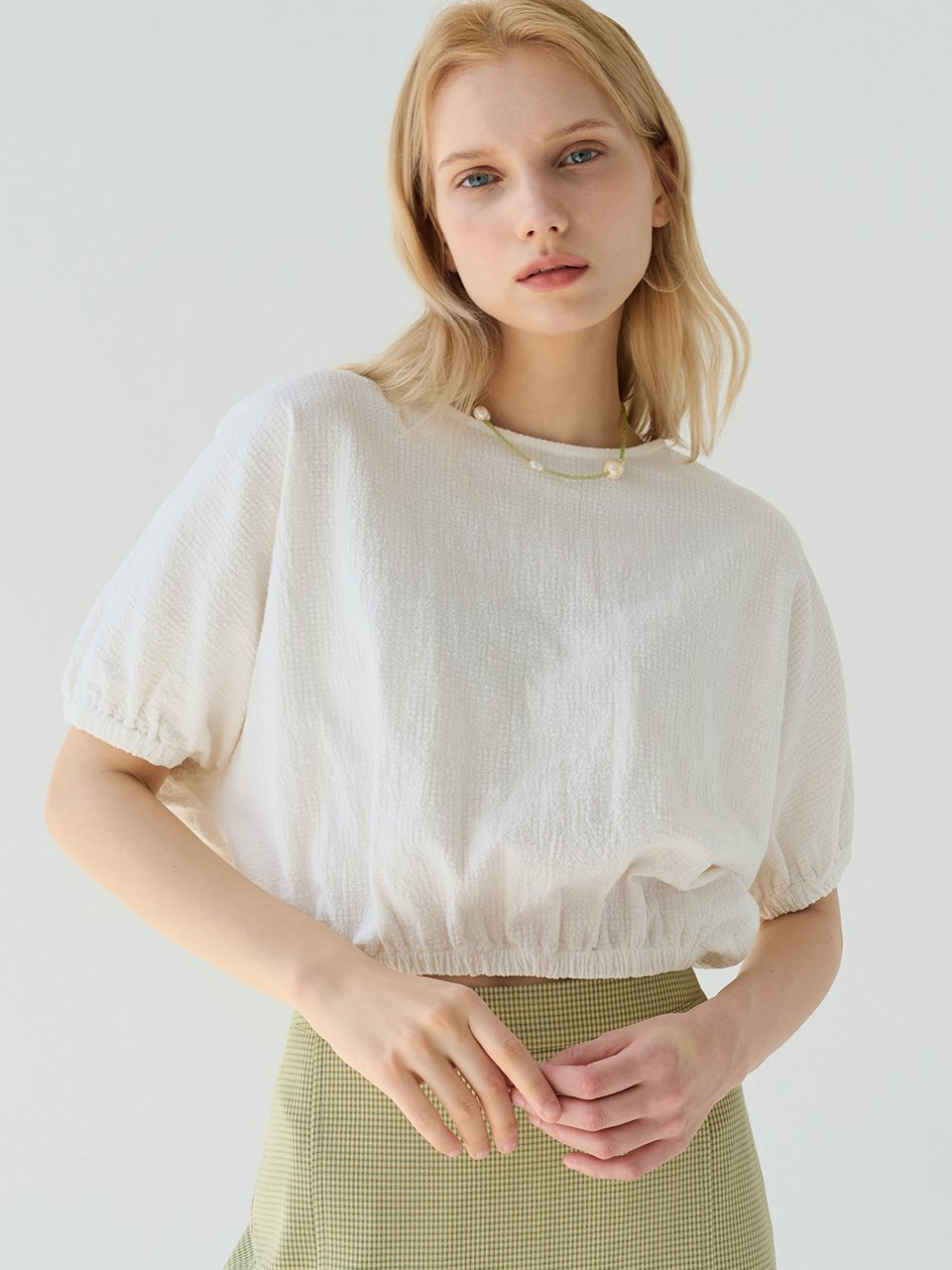 comos'527 reversible puff crop blouse (white)