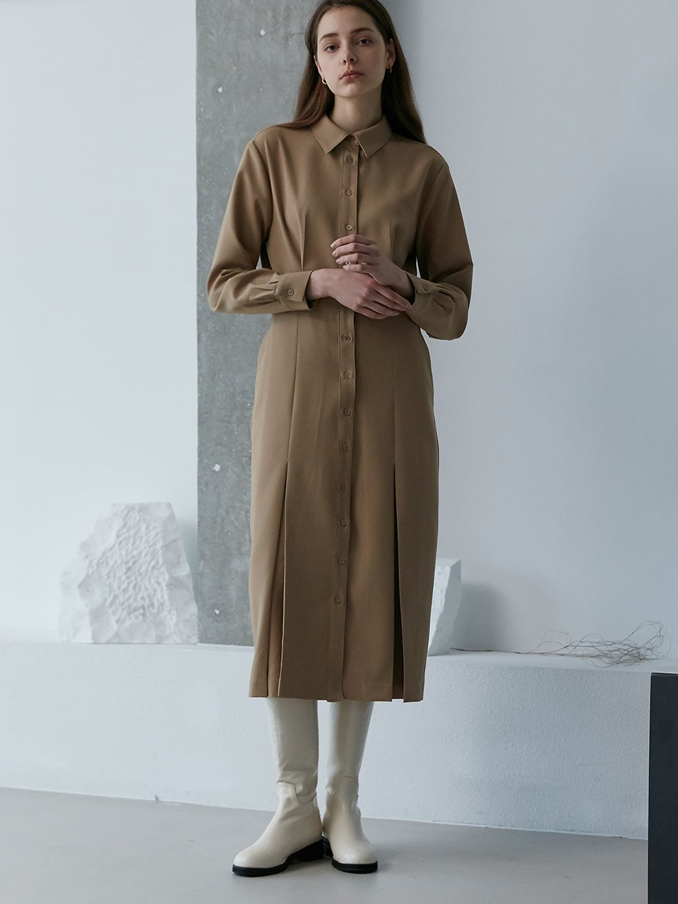 comos'470 shirt pleated dress (camel)