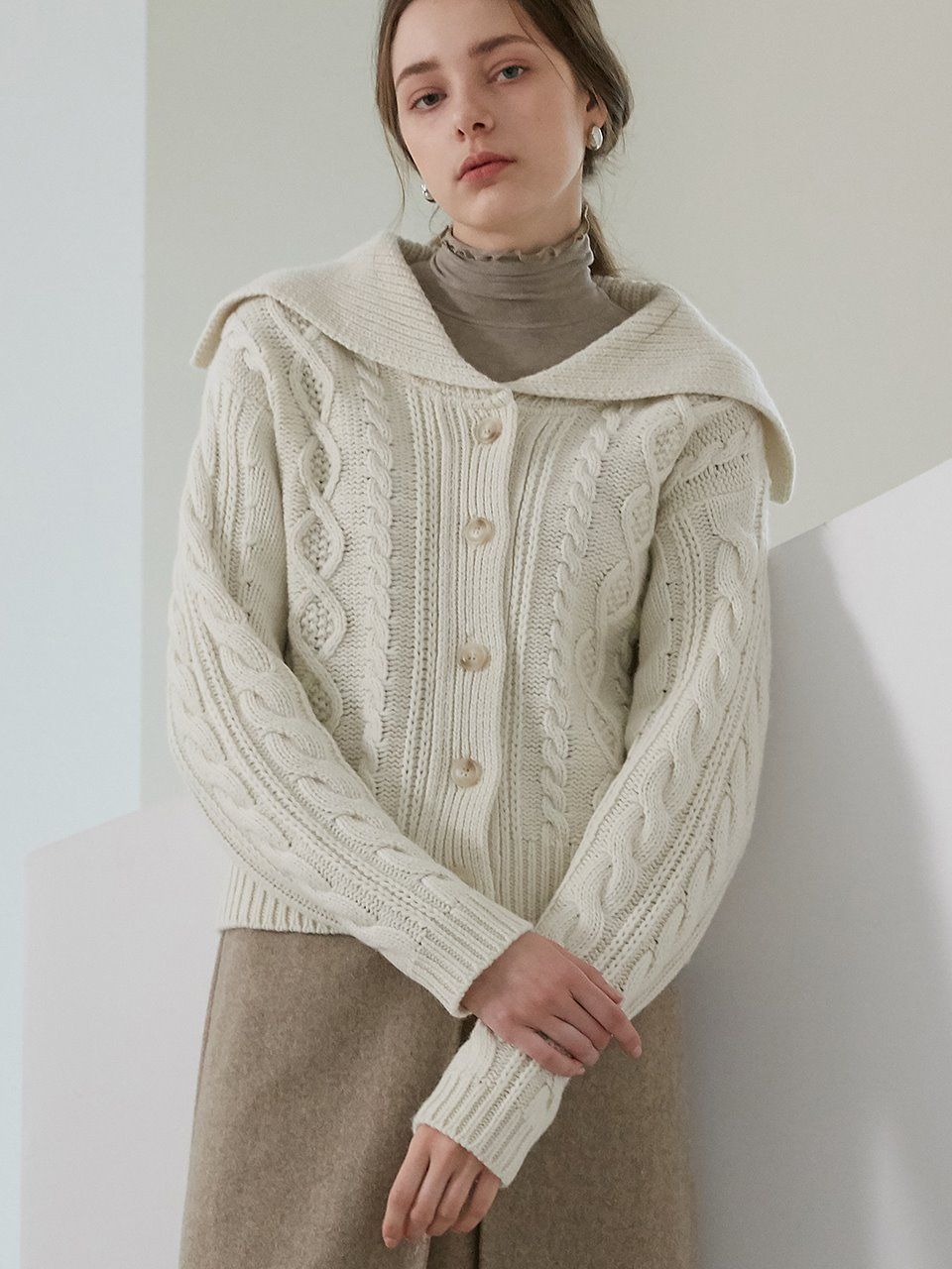 comos'459 cable sailor cardigan (ivory)